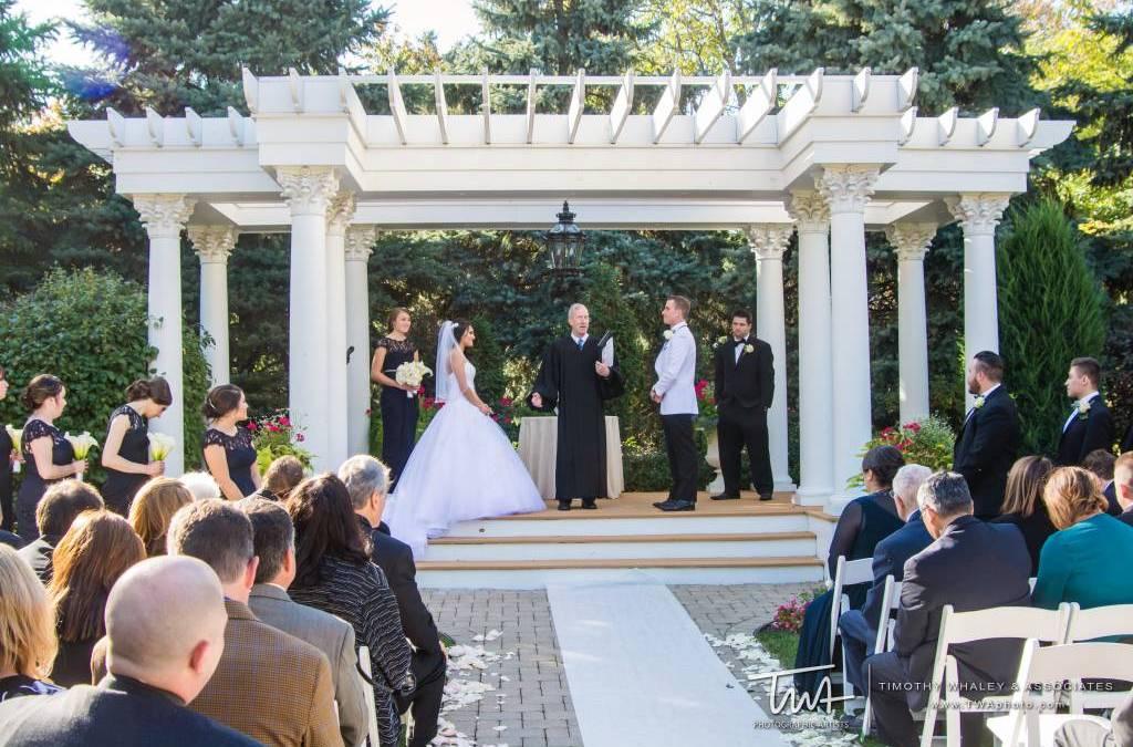 Outdoor Wedding Venue Vs Indoor Wedding Venue The Haley Mansion